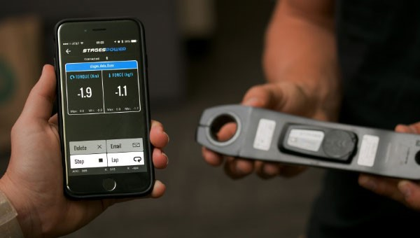 Showing a power meter and the phone app which shows the relevant information